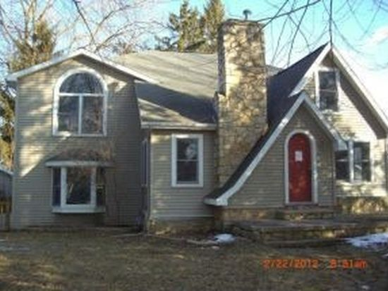 617 W Cook St, New London, WI 54961