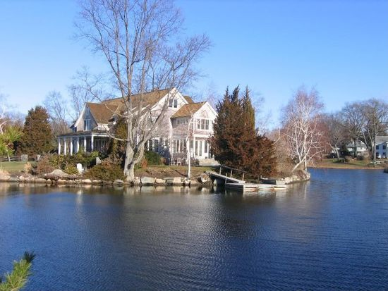2 Tokeneke Beach Dr, Darien, CT 06820