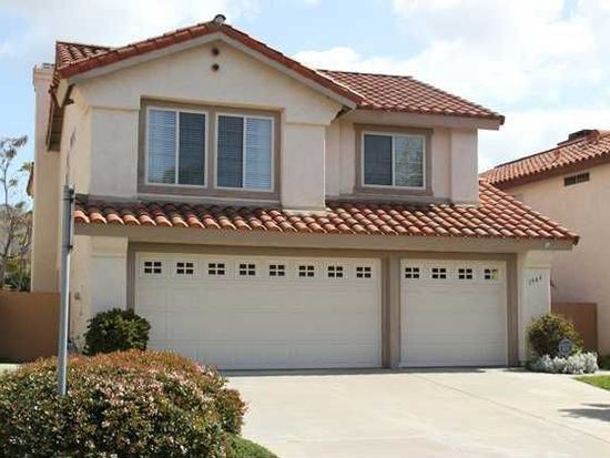 1944 Casablanca Ct, Vista, CA 92081