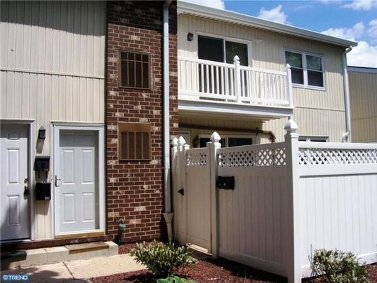 2902 State Hill Rd APT E13, Wyomissing, PA 19610
