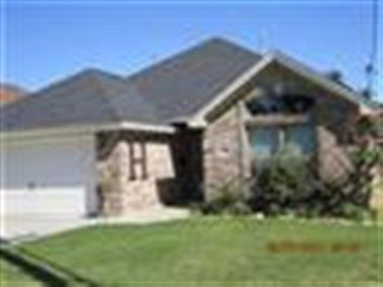 6450 Coolidge St, Groves, TX 77619