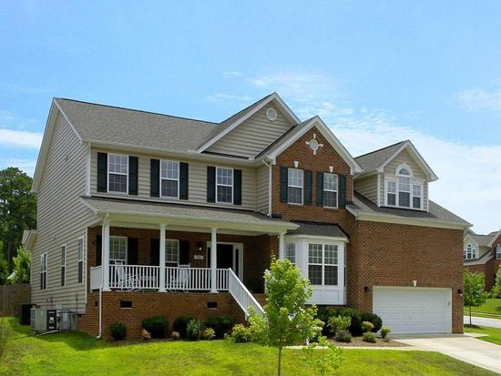 101 Chieftain Dr, Holly Springs, NC 27540
