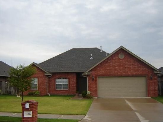 1616 Oxford Ave, Edmond, OK 73013