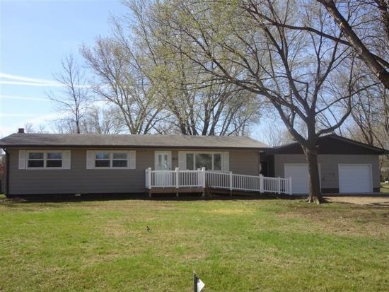 119 Cottonwood St, Yankton, SD 57078