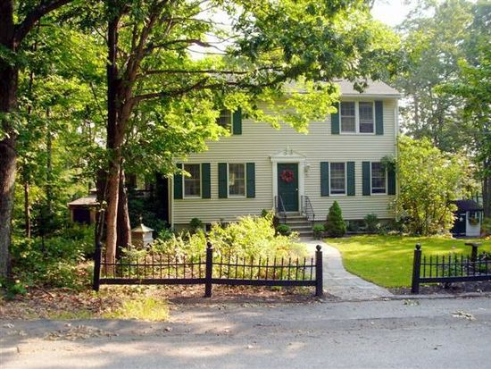 22 Great Hill Dr, Newmarket, NH 03857