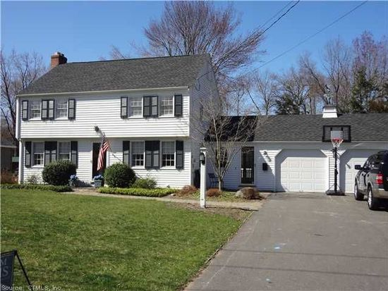 131 Richmond Ln, West Hartford, CT 06117