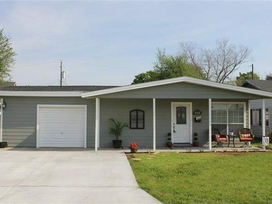 726 Central Dr, Port Neches, TX 77651