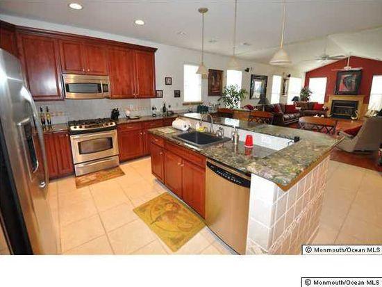 408 Monticello Ln, Lakewood, NJ 08701