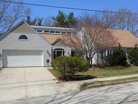 113 White Pkwy, North Smithfield, RI 02896