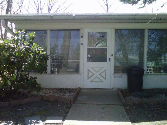 301A W Malvern Ct, Lakewood, NJ 08701