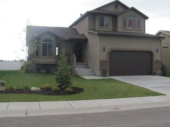 833 Willowbrook Rd, Pleasant View, UT 84404