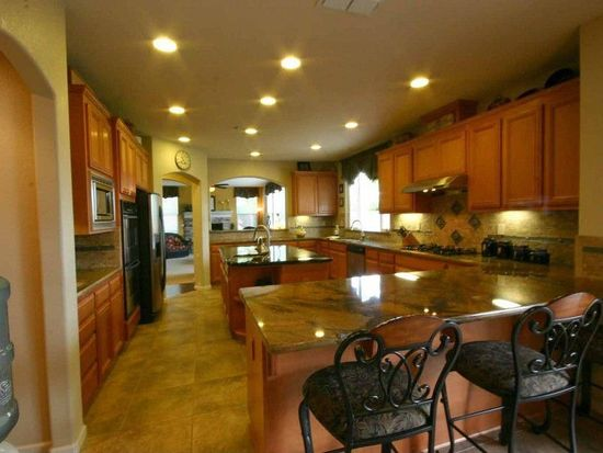 1041 Meadow Brook Dr, Brentwood, CA 94513