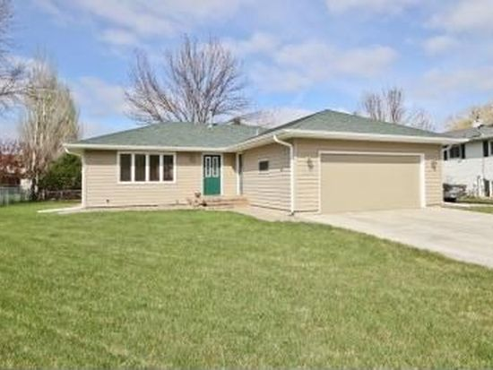 2579 Atlantic Dr S, Fargo, ND 58103