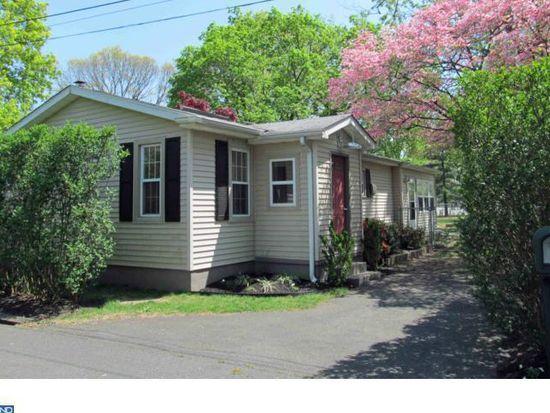 206 Walnut Aly, Edgewater Park, NJ 08010
