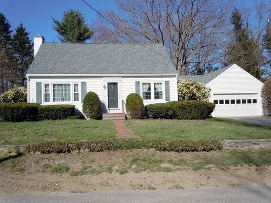 8 Bayberry Ln, Exeter, NH 03833