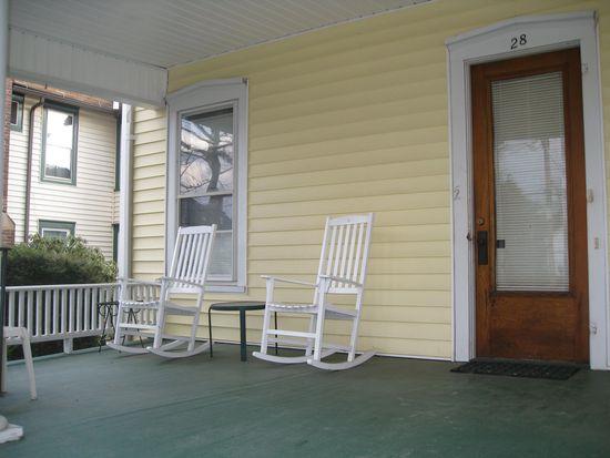 28 Walnut St, Oneonta, NY 13820