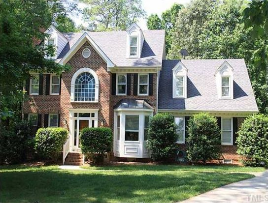 5208 Linksland Dr, Holly Springs, NC 27540