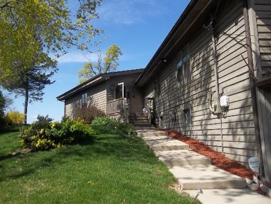 3327 N Bayview Ln, Mchenry, IL 60051