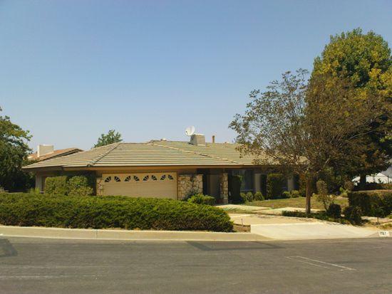 1727 Chapel Hill Dr, Walnut, CA 91789