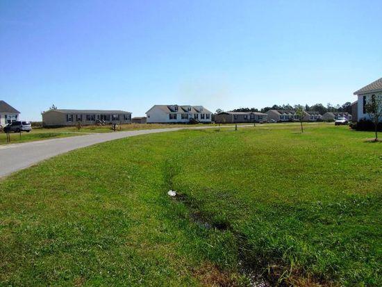 1252 Twisting Creek Rd, Greenville, NC 27834