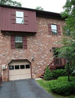 172 Old English Rd, Pittsburgh, PA 15237