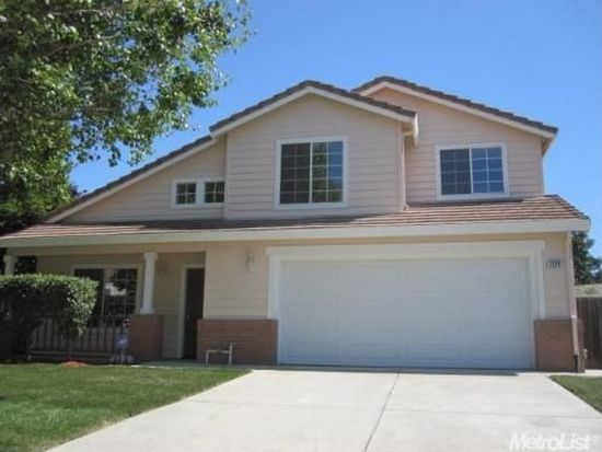 1324 Ray Harvey Dr, Tracy, CA 95377