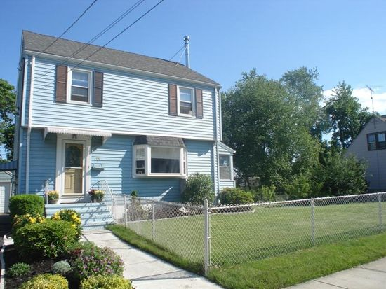 65 Charron St, Bridgeport, CT 06606