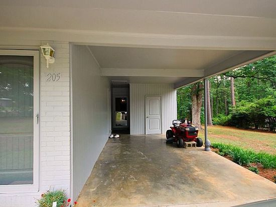 205 Lake Dr, Warner Robins, GA 31088