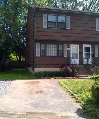25 Lansing Pl, Bridgeport, CT 06606