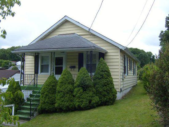 2809 Edgemont Dr, Bluefield, WV 24701
