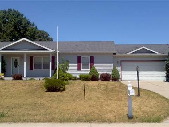 1016 Claire Ln, Middlebury, IN 46540