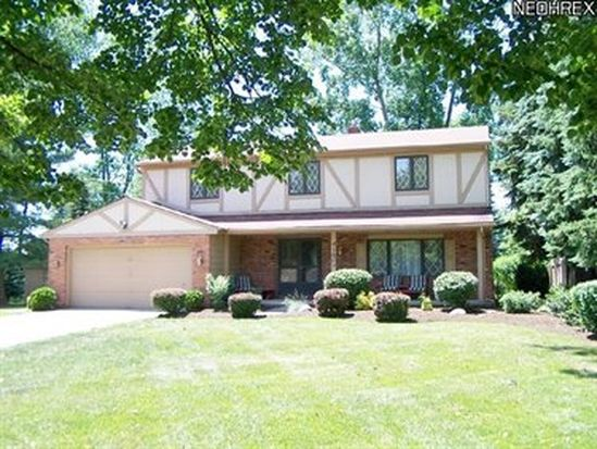 4160 Linden Cir, North Olmsted, OH 44070
