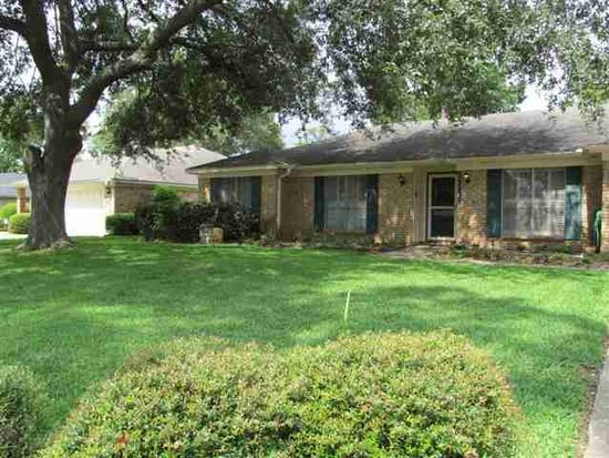 1345 Stacewood Dr, Beaumont, TX 77706