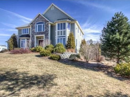 65 Birchwood Rd, Tewksbury, MA 01876