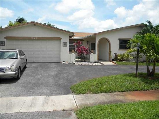 7821 NW 44th Ct, Lauderhill, FL 33351