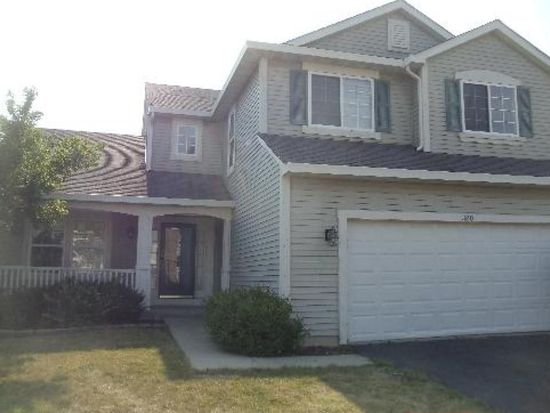 320 Wright Dr, Lake In The Hills, IL 60156