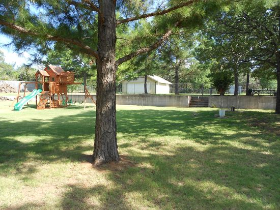424 Sherwood Ln, Edmond, OK 73034