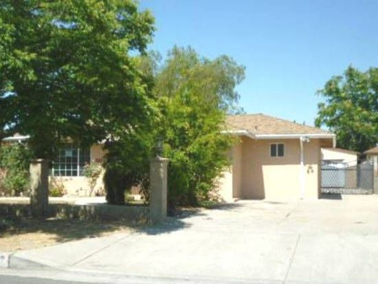 6711 Gentry Ave, North Hollywood, CA 91606