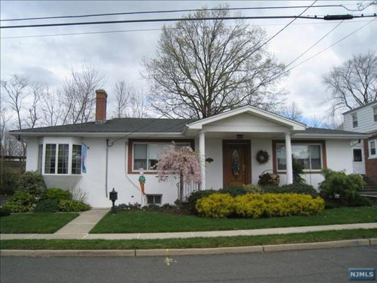 237 Fencsak Ave, Elmwood Park, NJ 07407