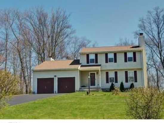 19 Lookout Hill Rd, Old Saybrook, CT 06475