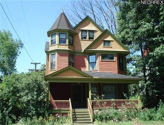 2819 Hampshire Rd, Cleveland, OH 44118