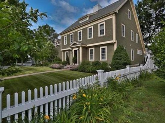 28 Summit Pl, Newburyport, MA 01950
