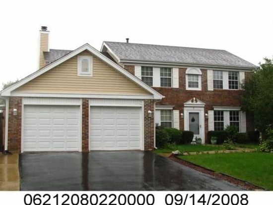 2 Mustang Ct, Streamwood, IL 60107