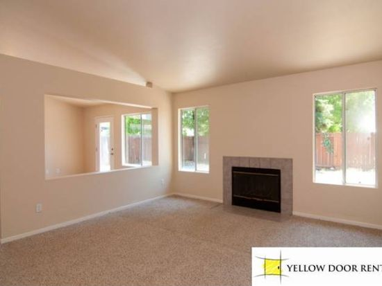 899 Youngsdale Dr, Vacaville, CA 95687