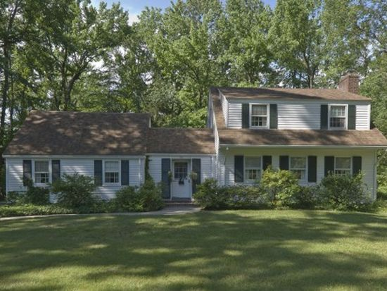 95 Hathaway Ln, Essex Fells, NJ 07021