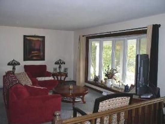 1595 Von Braun Trl, Elk Grove Village, IL 60007