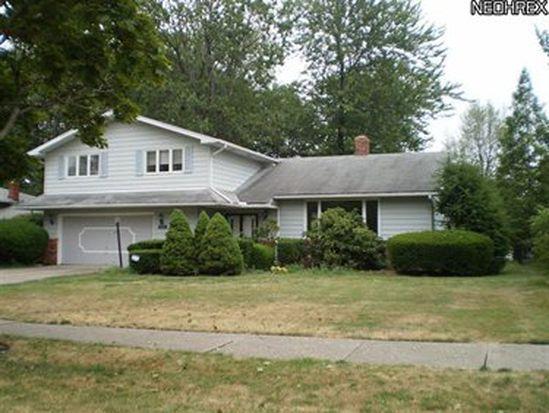 5488 Lansbury Ln, Cleveland, OH 44124
