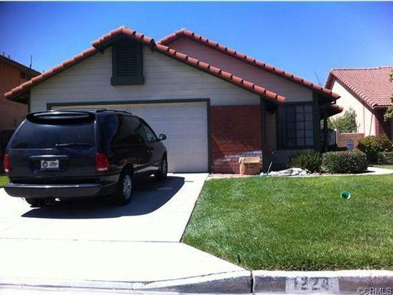 1224 W Van Koevering St, Rialto, CA 92376
