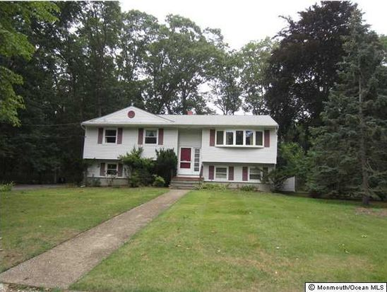 12 Ash St, Eatontown, NJ 07724