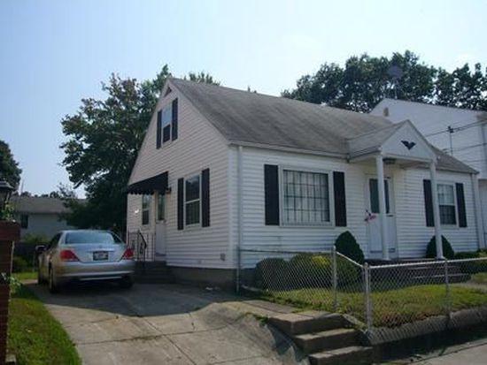 124 Hendricks St, Central Falls, RI 02863